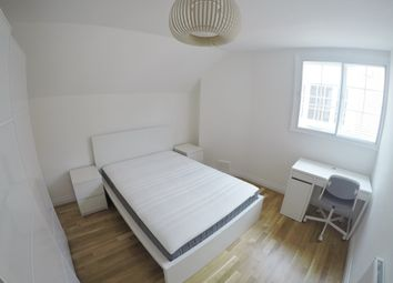 Thumbnail 2 bed flat to rent in The Avenue, Bedford Park, London