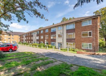 Thumbnail 3 bed flat to rent in Bishops Court, Radcliffe Road, East Croydon