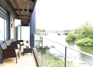 Thumbnail 2 bed flat for sale in Flat 25, 41 - 42 Kew Bridge Road, London