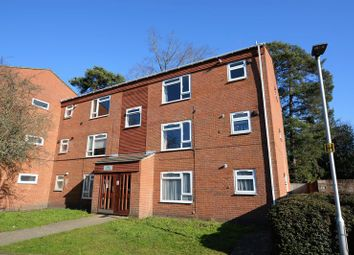 Thumbnail 1 bedroom flat for sale in Elizabeth Close, Bracknell