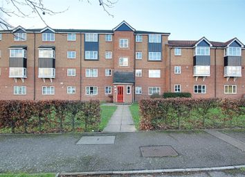 2 bed flat to rent in Fisher Close, Enfield, Middlesex EN3