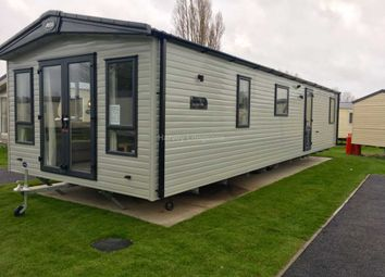 Thumbnail 2 bed mobile/park home for sale in Seawick Holiday Park, Beach Road, St Osyth, Nr Clacton-On-Sea