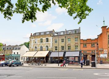 Thumbnail Flat for sale in Lauriston Road, London