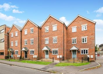 Thumbnail 4 bed town house to rent in Caldecott Road, Abingdon