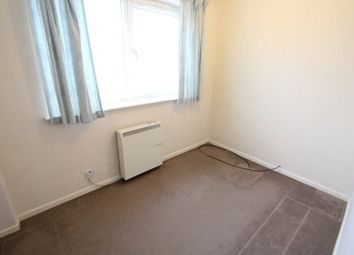 Thumbnail 2 bed flat to rent in Oakley Road, Leagrave, Luton