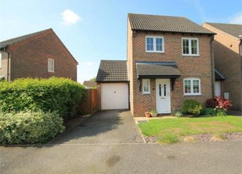 Thumbnail 3 bed link-detached house for sale in Simmons Field, Thatcham