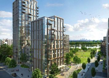 Block B, Hartingtons Apartments, London N4. 2 bed flat for sale