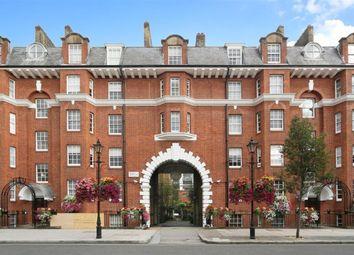 Thumbnail 3 bedroom flat to rent in Regency Street, London