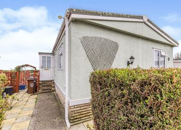 3 bed mobile/park home for sale in Kingsmead Park, Allhallows, Rochester, Kent ME3