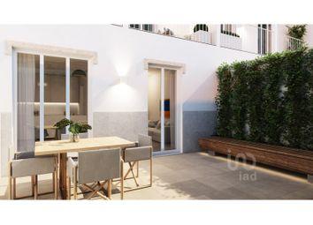 Thumbnail 4 bed apartment for sale in Avenidas Novas, Lisboa, Lisboa