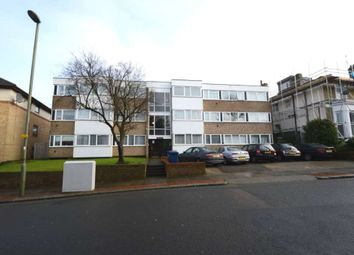 Thumbnail 2 bed flat to rent in Alexandra Grove, North Finchley, London