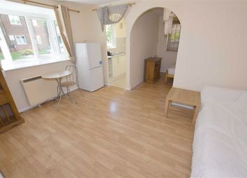 1 bed flat to rent in Greenside Close, Whetstone, London N20