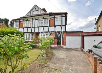 Chalgrove Crescent, Clayhall, Ilford IG5. 3 bed property
