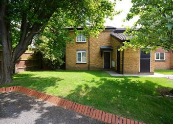 Thumbnail 1 bed maisonette to rent in Aldworth Close, Easthampstead