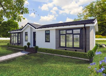 Thumbnail 2 bed mobile/park home for sale in The Common, Beck Row, Bury St. Edmunds