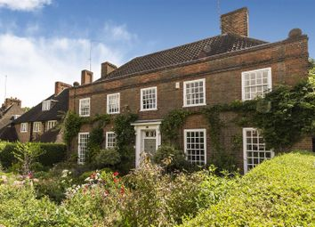 Thumbnail 6 bed property for sale in Wildwood Road, Hampstead Garden Suburb