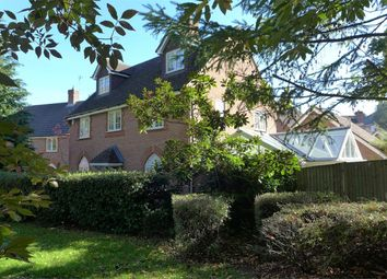 Upper Mount Street, Elvetham Heath, Fleet GU51. 5 bed detached house