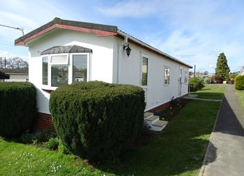 The Green, Rose Park, Row Town KT15. 2 bed mobile/park home for sale