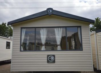 Thumbnail 3 bed mobile/park home for sale in Beauport Holiday Park, The Ridge West, Hastings