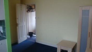 Thumbnail 1 bed flat to rent in High Road, London