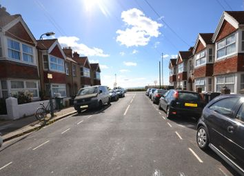 2 bed flat to rent in St. Leonards Avenue, Hove BN3