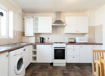 2 bed flat to rent in Southern Grove, London E3