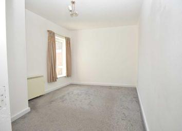 2 bed maisonette to rent in Station Road, Addlestone KT15