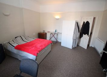 Thumbnail 4 bed flat to rent in Apsley Road, Clifton