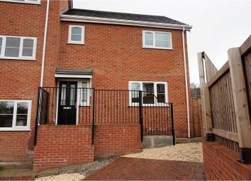 Thumbnail 2 bed town house for sale in Malvern Close, Oldham