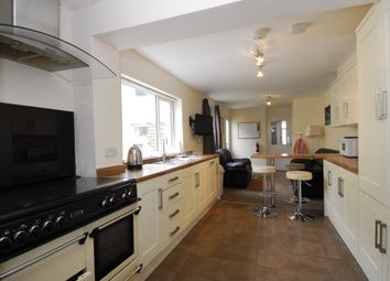 Thumbnail 6 bed shared accommodation to rent in Weston Park Road, Peverell, Plymouth