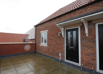 Thumbnail 2 bed flat to rent in Village Green Way, Kingswood, Hull