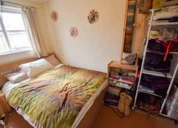 Thumbnail 3 bed flat to rent in Well Street, London
