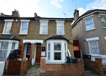 Thumbnail 1 bed flat for sale in Howley Road, Croydon