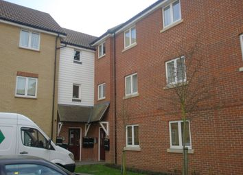 2 bed flat to rent in Glanford Way, Chadwell Heath, Essex RM6