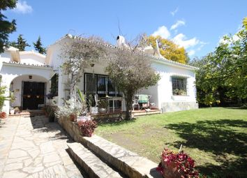 Thumbnail 3 bed villa for sale in Spain, Andalucia, San Pedro De Alcántara, Ww961