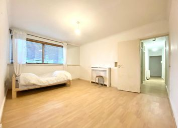 Thumbnail 2 bed flat to rent in 52 Parkgate Road, Battersea, London