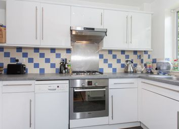 Thumbnail 1 bedroom flat to rent in Clapham Common South Side, London
