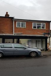 Thumbnail 3 bed flat to rent in Selbourne Road, Luton