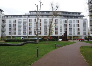 Thumbnail 1 bed flat for sale in Deals Gateway, London