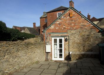 Thumbnail 2 bed cottage to rent in Oakley Court, Southampton Street, Faringdon