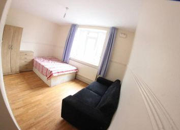 Thumbnail Room to rent in Somerford Grove, London