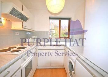 Thumbnail 1 bed flat to rent in Linwood Close, Camberwell, London