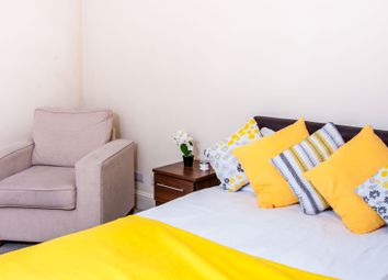 Thumbnail Room to rent in Bishops Court, Bayswater, Central London