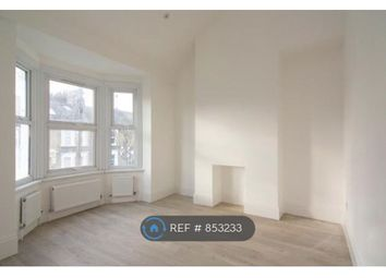 3 bed maisonette to rent in Newport Road, London E10