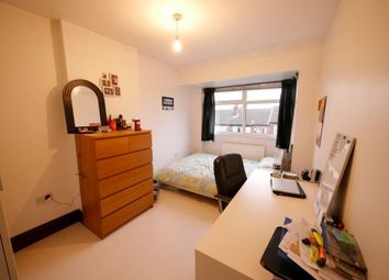 Thumbnail Property to rent in Kelso Gardens, Leeds