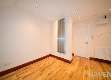 Thumbnail 1 bed flat to rent in High Road, East Finchley, London