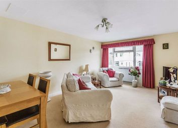 Thumbnail 2 bedroom flat for sale in Silkham Road, Oxted, Surrey