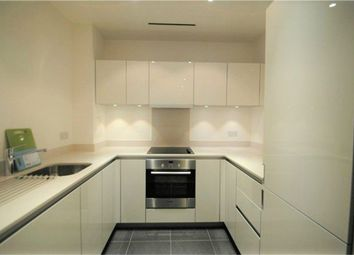 Thumbnail 1 bed flat to rent in 4 Saffron Central Square, East Croydon, Surrey