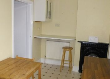 Thumbnail 2 bed flat to rent in Zulla Road, Mapperley