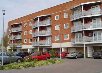 Thumbnail 2 bed flat to rent in Creek Road, London